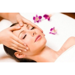 Deep Cleansing Facial Treatment From Kneaded Escape Beauty Spa, Includes A Complimentary Gift from Craze Deals